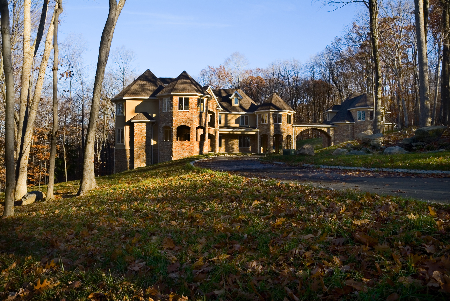 Prominent custom home builder taps madison hawk to auction for 10000 sq ft house