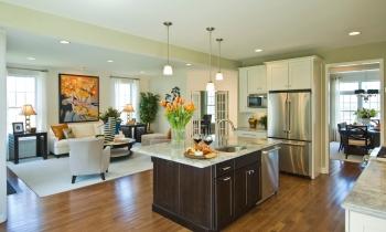 Kitchen to Great Room_DSC0289