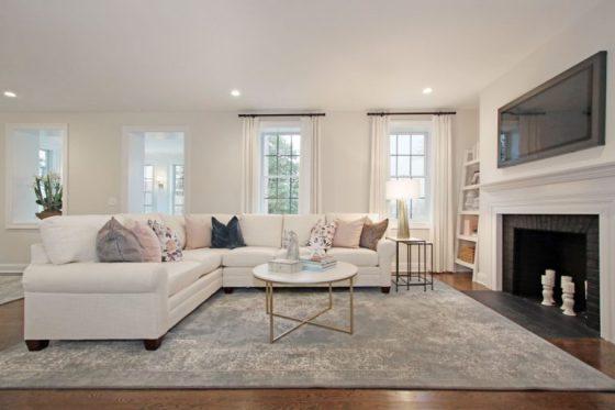 east-gate-duplex-living-room-770x513