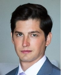 chris mazzola headshot 1