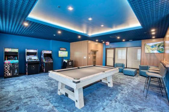 the-enclave-apartments-jersey-city-game-room