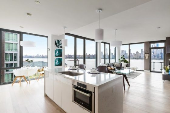 Nine-on-the-Hudson-Interior-650x433